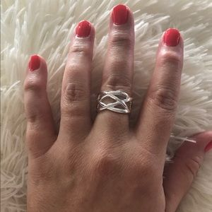 Jewelry - NEW Silver Plated Fashion Jewelry Ring Size 7